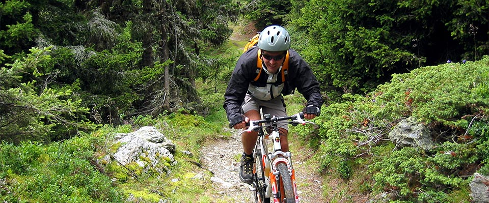 Andare in mountain bike in Val Senales